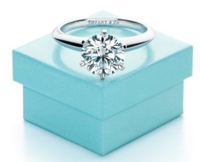 bfffd2c61547 Entre los anillos de compromiso el más famoso del mundo es el TIFFNY  SETTING